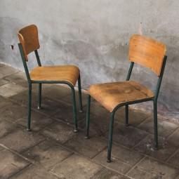2 stoelen industrieel
