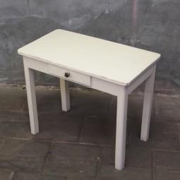 tafeltje witte verf