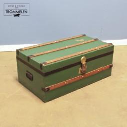 Groene antieke hutkoffer