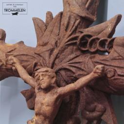 Gietijzeren crucifix