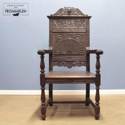 Antieke Engelse troon