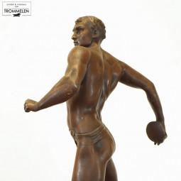 Antiek sportbeeld