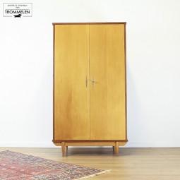 Vintage garderobe
