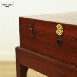 Bagatelle game table