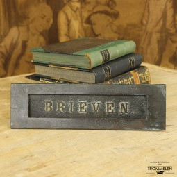 Antieke brievenbus