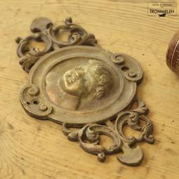 Putto ornament