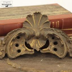 Antieke kuifornamenten