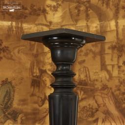 Geeboniseerde pedestal